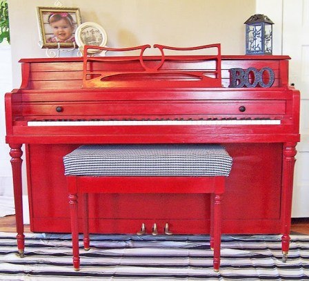 Painting a piano red
