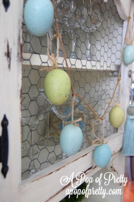 Easter decorating ideas - diy Easter egg garland