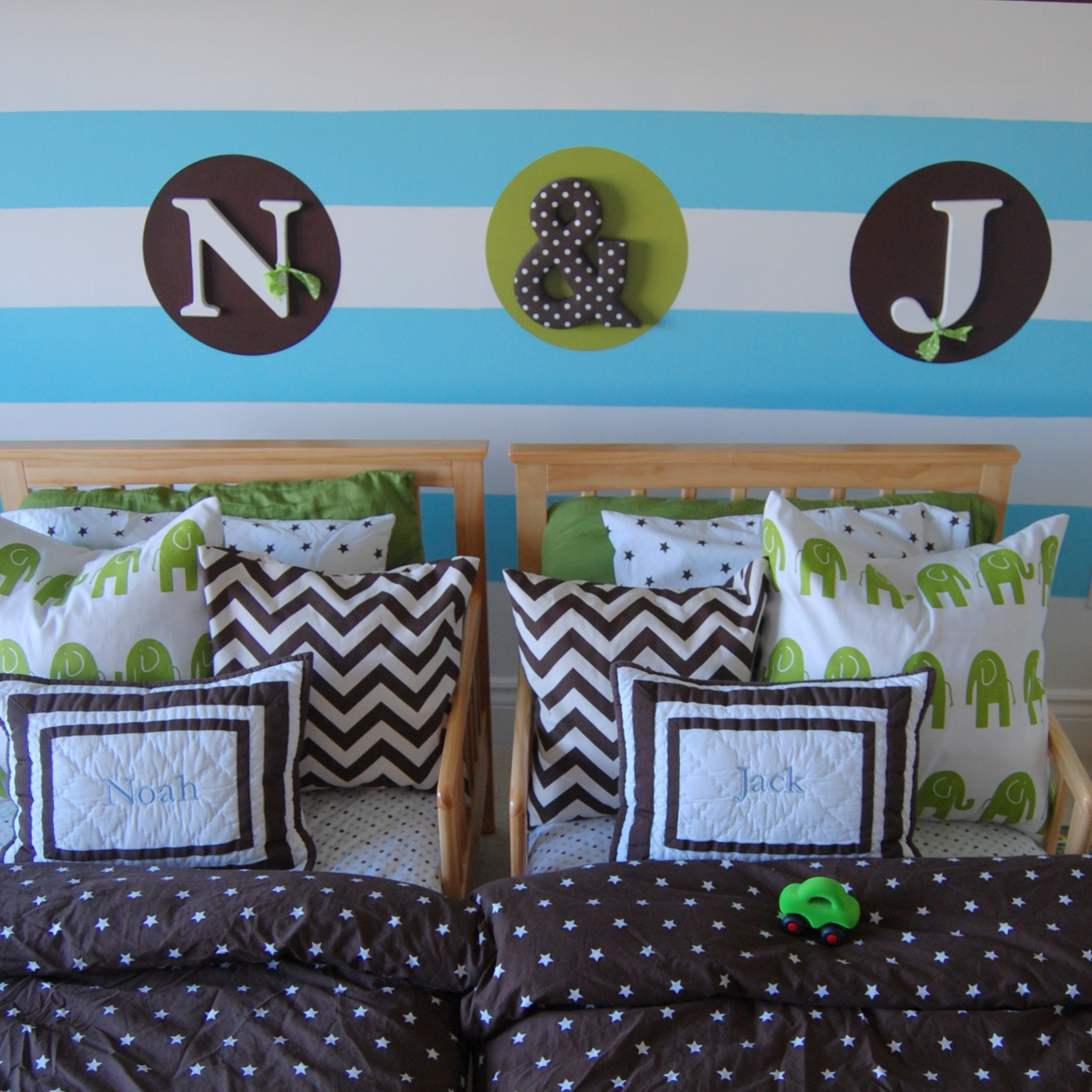 Toddler Boy Room Ideas: Paint Stripes On Wall Toddler Boy Room