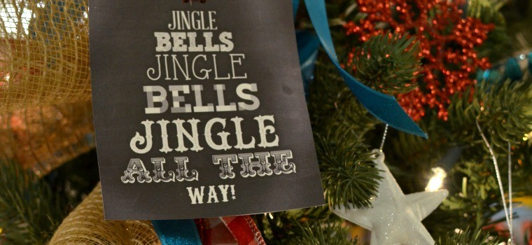 Red & Turquoise Fundraiser Tree {Christmas Tree Decorating Ideas}