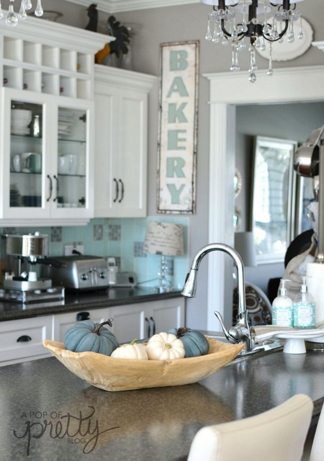 Bon Canadian Bloggers Home Tours   Featured: A Pop Of Pretty Blog