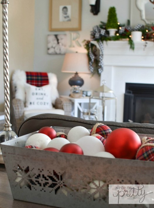 Cottage Christmas tour red plaid