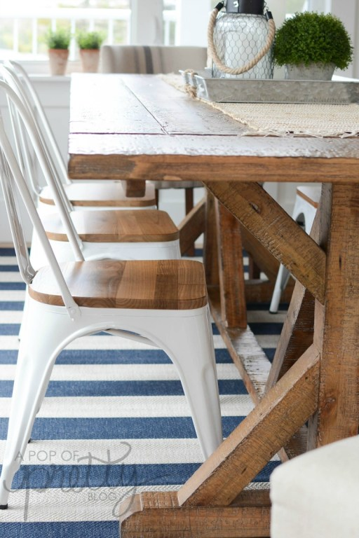 Coastal cottage style kitchen - farmhouse trestle table