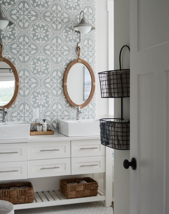 modern cottage bathroom