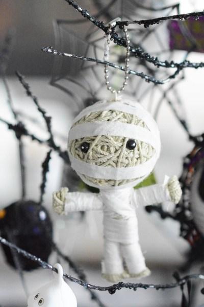Halloween decoration for tree