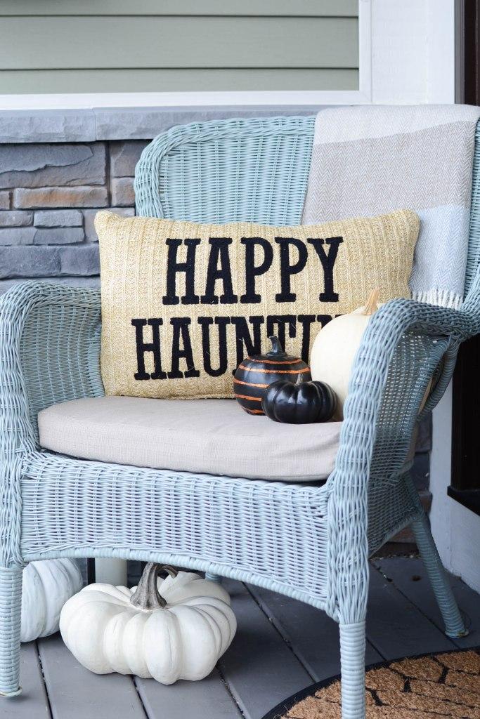 Simple Halloween decorating ideas pillow