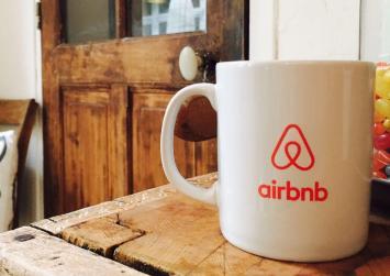 Τι πρέπει να γνωρίζουν οι ιδιοκτήτες που νοικιάζουν ακίνητα μέσω Airbnb
