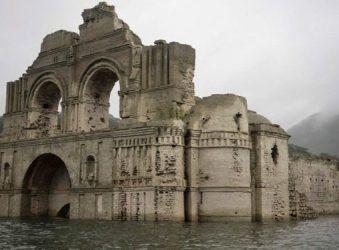 Δείτε τον ναό - φάντασμα που ξεπρόβαλε μέσα από ένα ποτάμι (φώτο)
