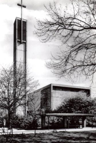 """Apostelkirche mit dem später als """"Apostelplatz"""" bezeichneten Areal, © Torsten Behr"""