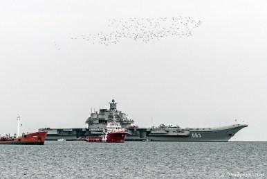 """Αεροπλανοφόρο """"Ναύαρχος Κουζνέτσοφ"""", Λεμεσός, Κύπρος (The admiral - """"Admiral Kuznetsov"""" aircraft carrier, Limassol, Cyprus)."""