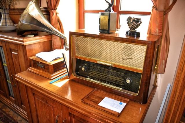 6b4c4a26 0a52 4119 926e 479473b0b510 old radio 1663517 960 720