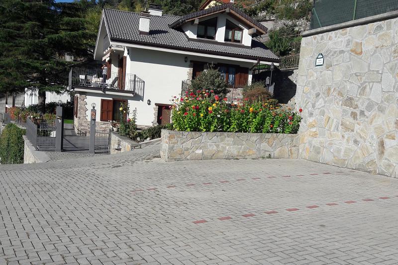 casa vacanze bioula appartamenti aosta parcheggio1