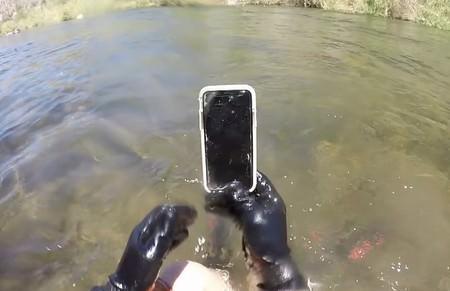 iPhone X bajo el agua 1
