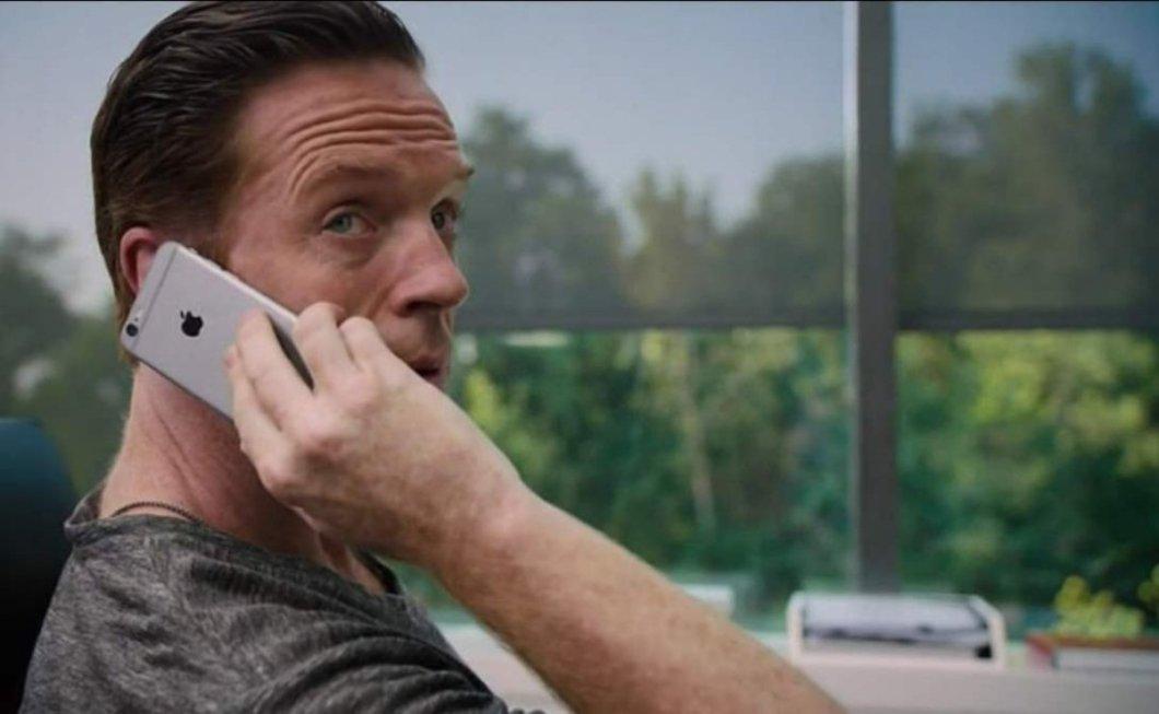 Actor con iPhone