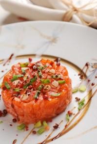 Salmon tartare :: Recipe and Styling: Orsola Ciriello Kogan | Photo ©LuciaZeccara