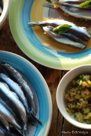 Prepping fresh anchovies bite | Recipe: Mamma Linda | Photo ©OrsolaCirielloKogan