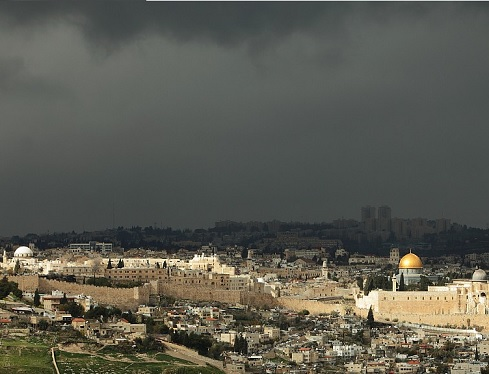 donkere wolken boven Jeruzalem