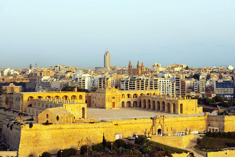 Malta Desembarco del Rey