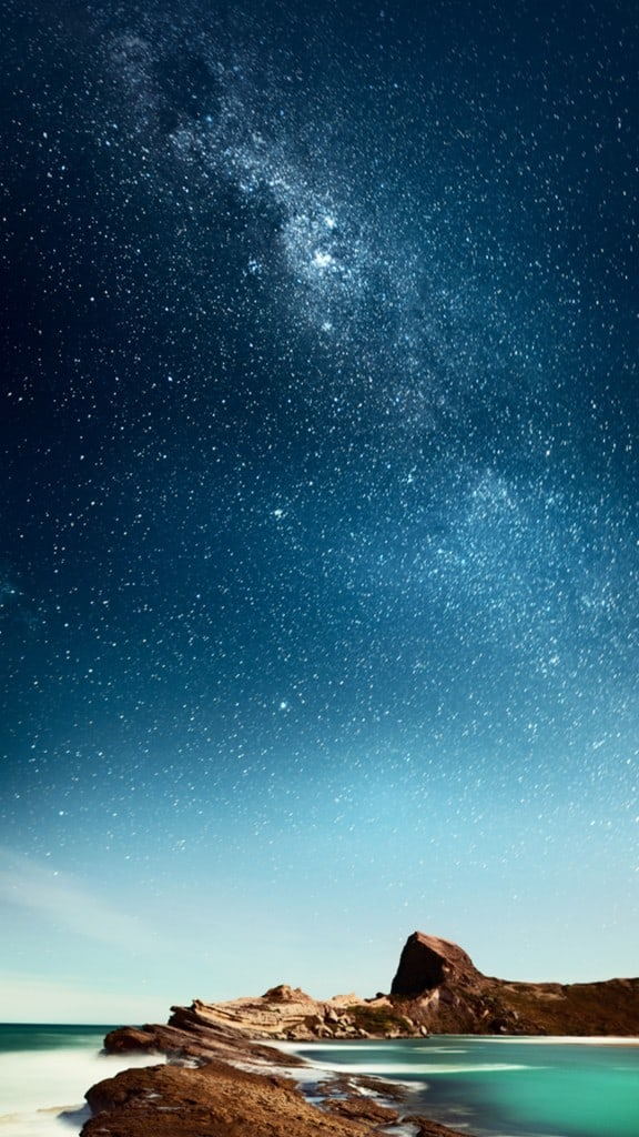 Shiny-Milky-Outer-Space-Over-Sea-iPhone-6-plus-wallpaper-ilikewallpaper_com