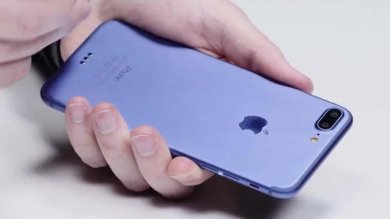 نموذج الايفون 7 بلس باللون الأزرق العميق