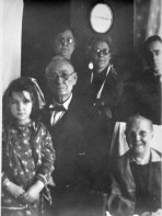 Dr. Wm, Fredrica, Grace, Kitty, Carlton Daniel apx 1930. The young girl is Katherine Buchanan, daughter of Kitty.
