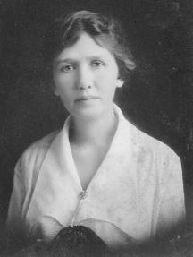 Julia Anne Gordon Patten (1881-1921), age 35