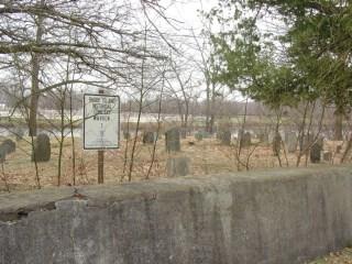 Hannah Eddy and Benjamin Cole (1678-1748) burial location