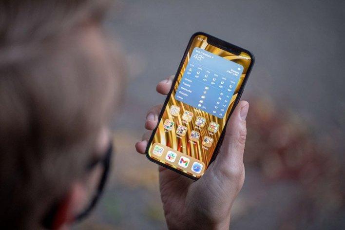 هل يجب أن تتوقف Apple عن صنع iPhone 12 Mini؟
