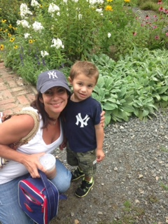 Apple Mom of Westchester County Monday: Samantha