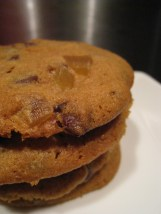 Stem ginger and dark chocolate cookies