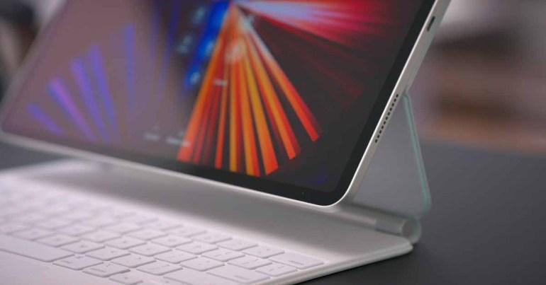 Bloomberg: Apple разрабатывает обновленный iPad Pro со стеклянной задней панелью и беспроводной зарядкой на 2022 год