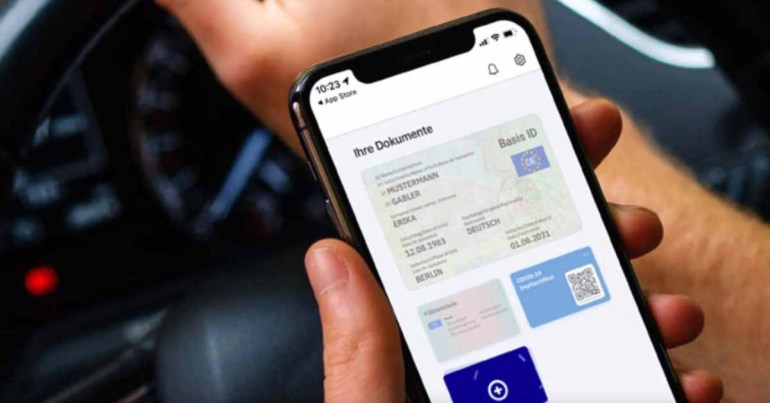 Германия теперь позволяет людям сохранять свои водительские права на iPhone