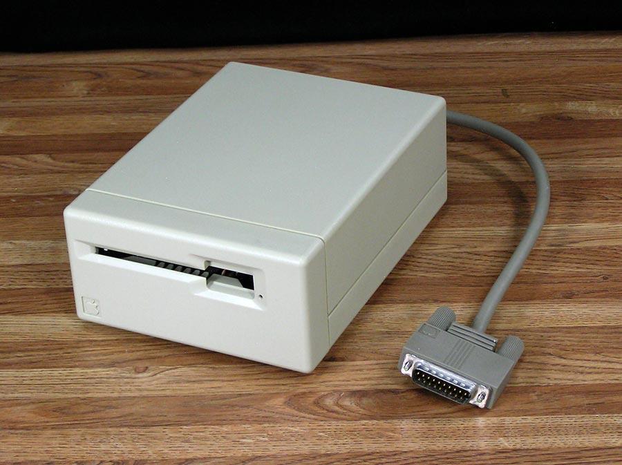 400k-ext-floppy-2.jpg