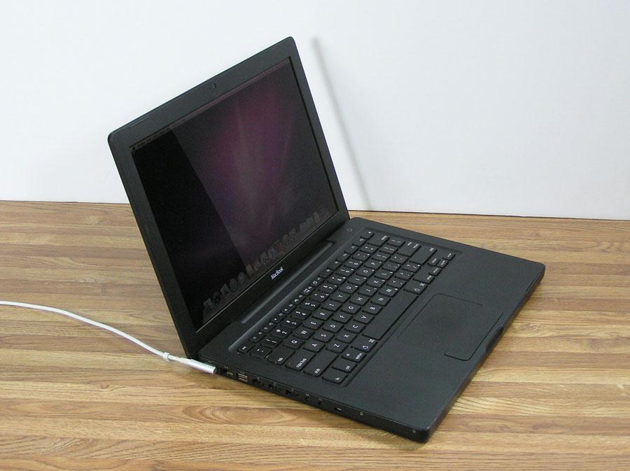 blk-macbook-2.jpg