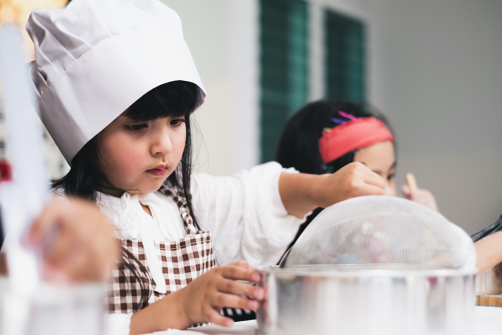 Cooking with toddlers in the kitchen
