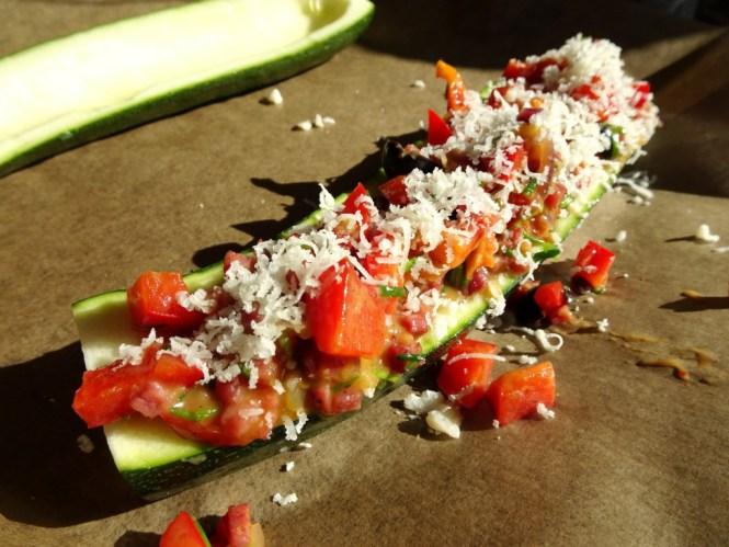 zucchini baguette roh
