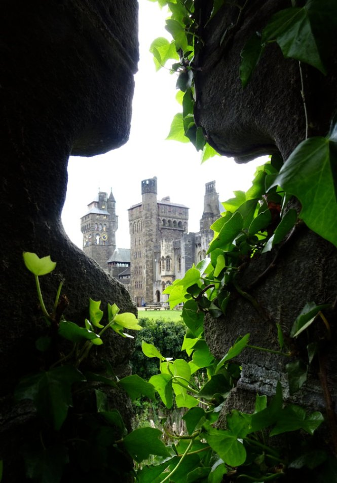 zentrum cardiff castle
