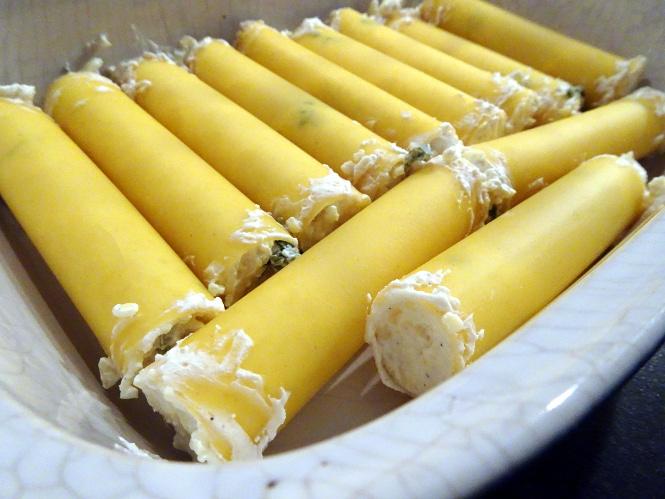 käse-cannelloni gefüllt