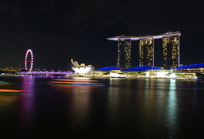 marina bay sands at night singapur travelguide urlaub