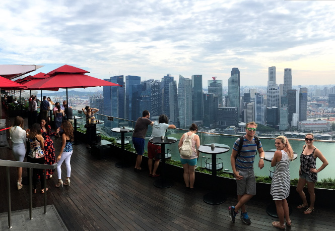 marina bay sands rooftop view singapur travelguide