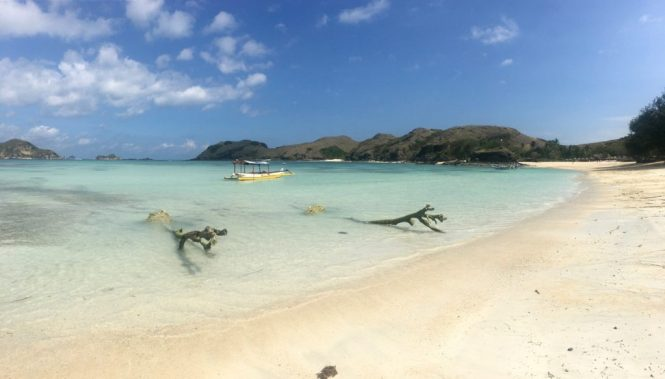 travelguide-lombok-tanjun-aan-beach-boot