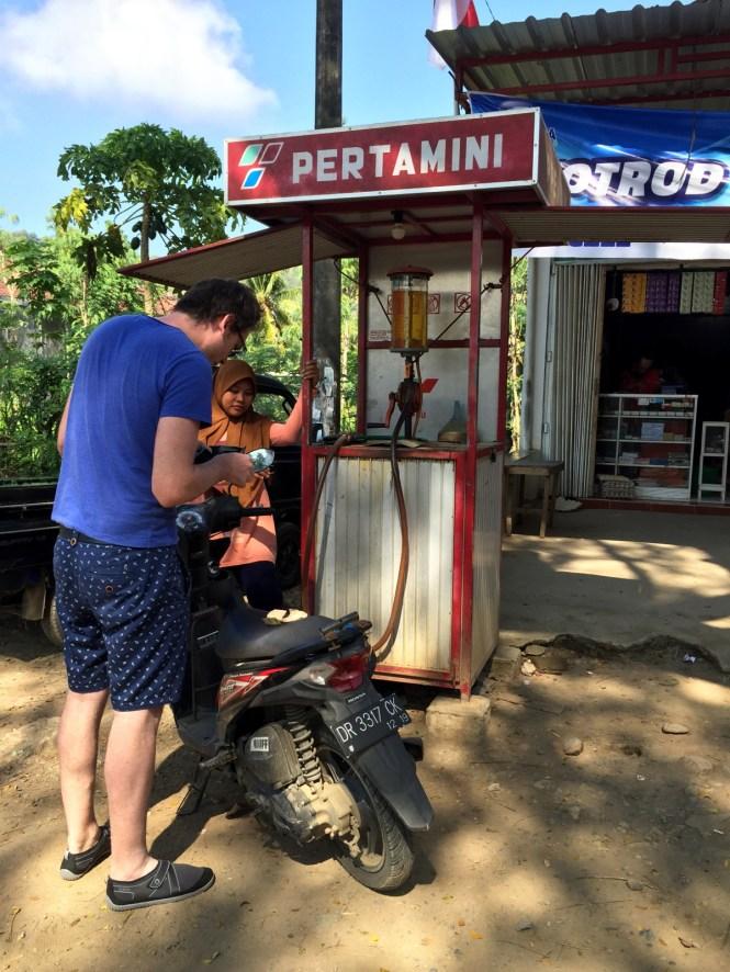 travelguide-lombok-tankstelle