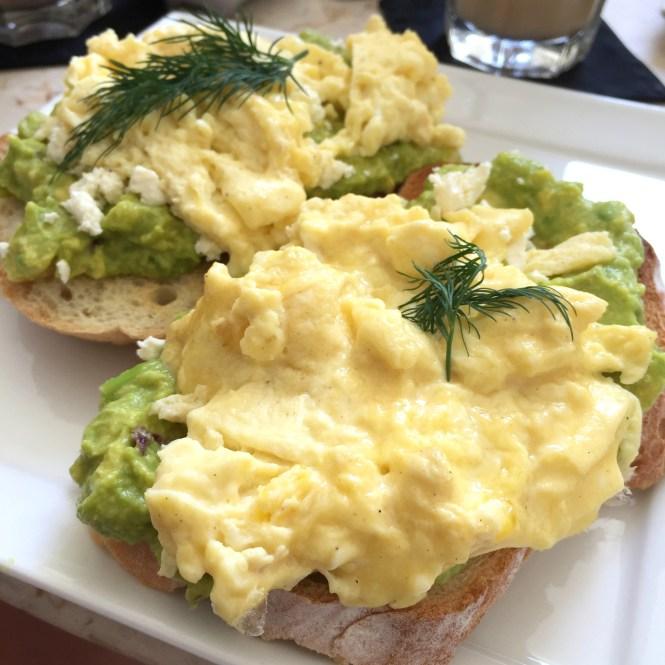 bali-westen-avocado-brot