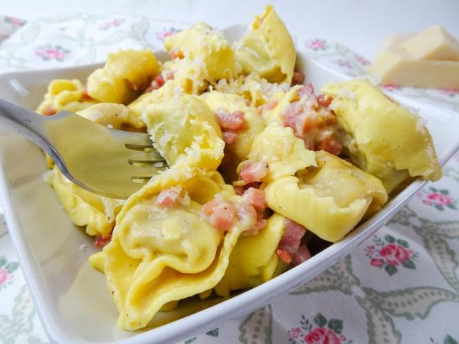 Tortellini Carbonara Parmesan