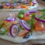 lammkuchen mit Spargel und Lachs