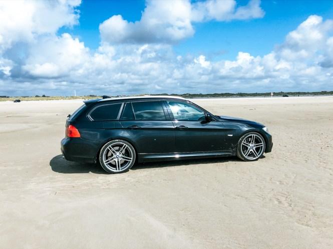 auto am strand dänemark
