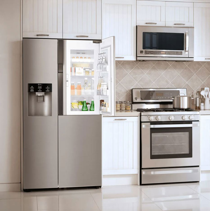 can a microwave and fridge be on one