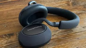 Bowers & Wilkins PX7 Main
