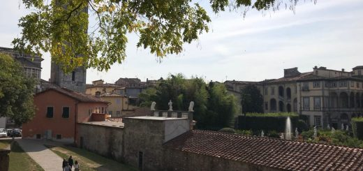 Lucca: wrapped in a wall of culture