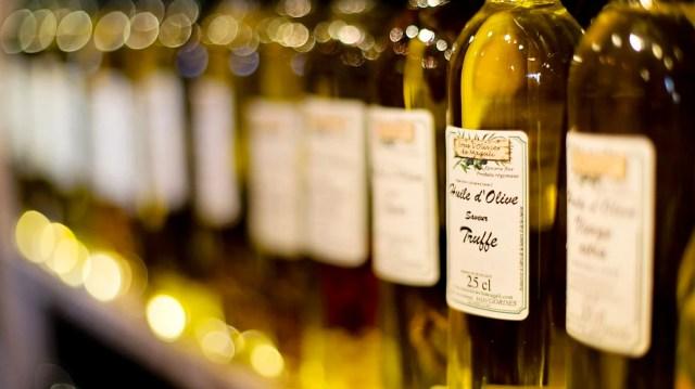 Il existe tellement d'huile à mettre dans ses savons, toutes avec leurs propriétés spécifiques !